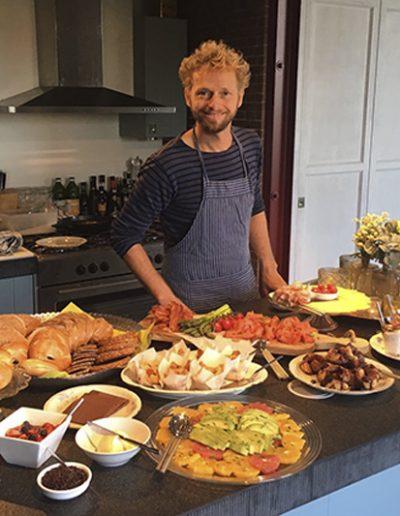 Kok op locatie in de keuken van Het Gemaal van Muiden
